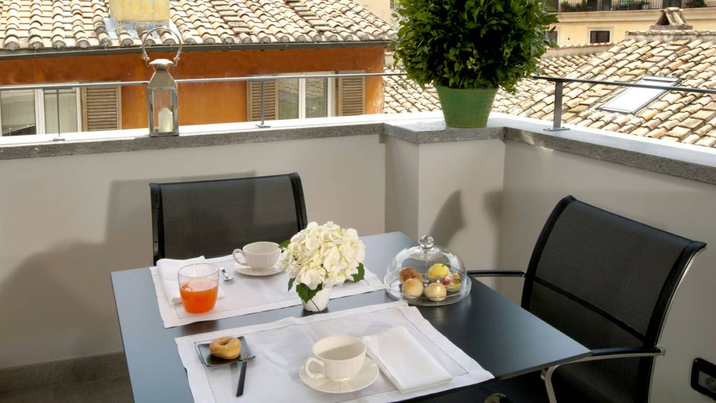 hotel-mood44-rome-exclusive-suite-terrace-2