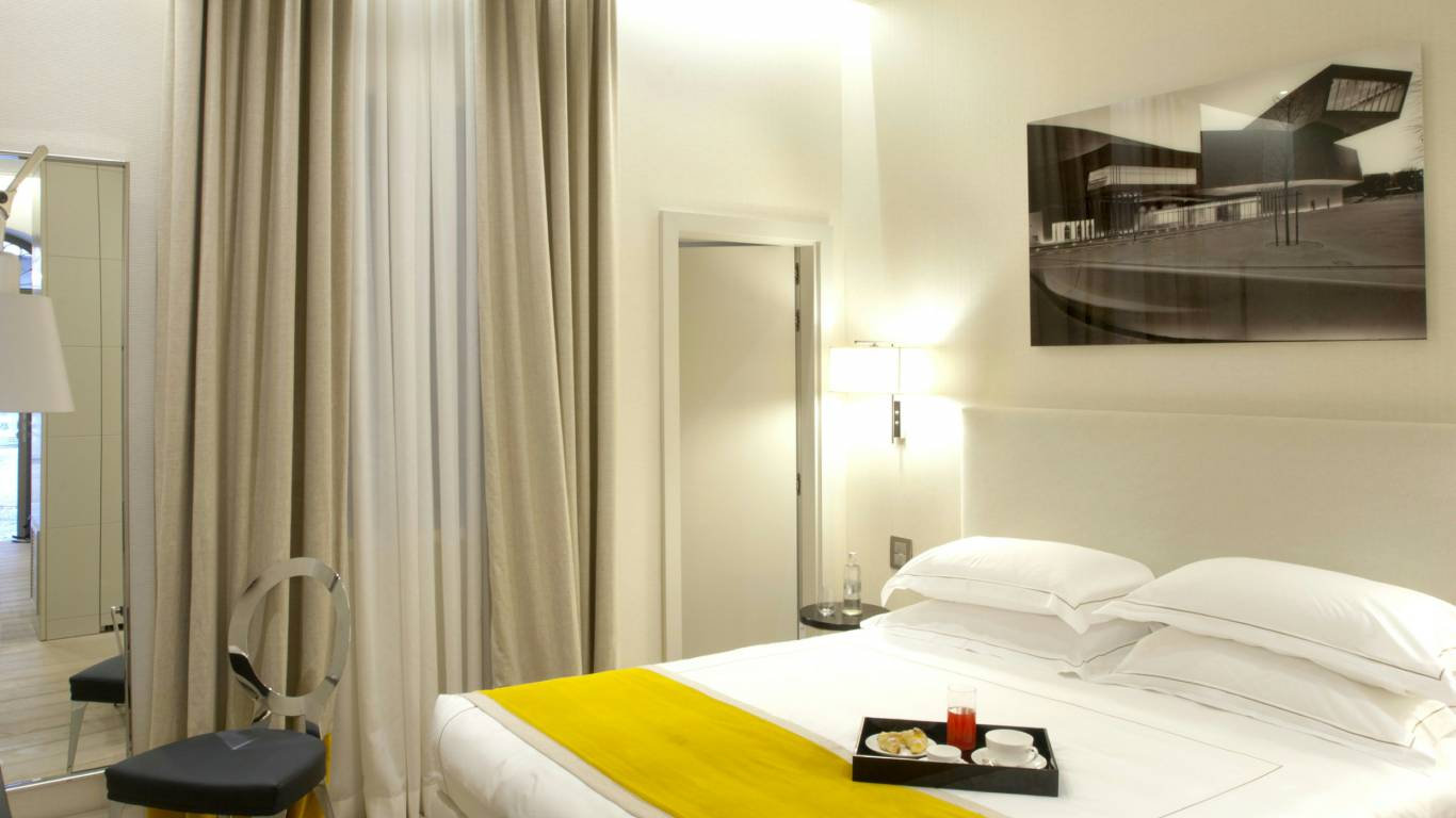 hotel-mood44-rome-exclusive-suite-rooms-trevi-1