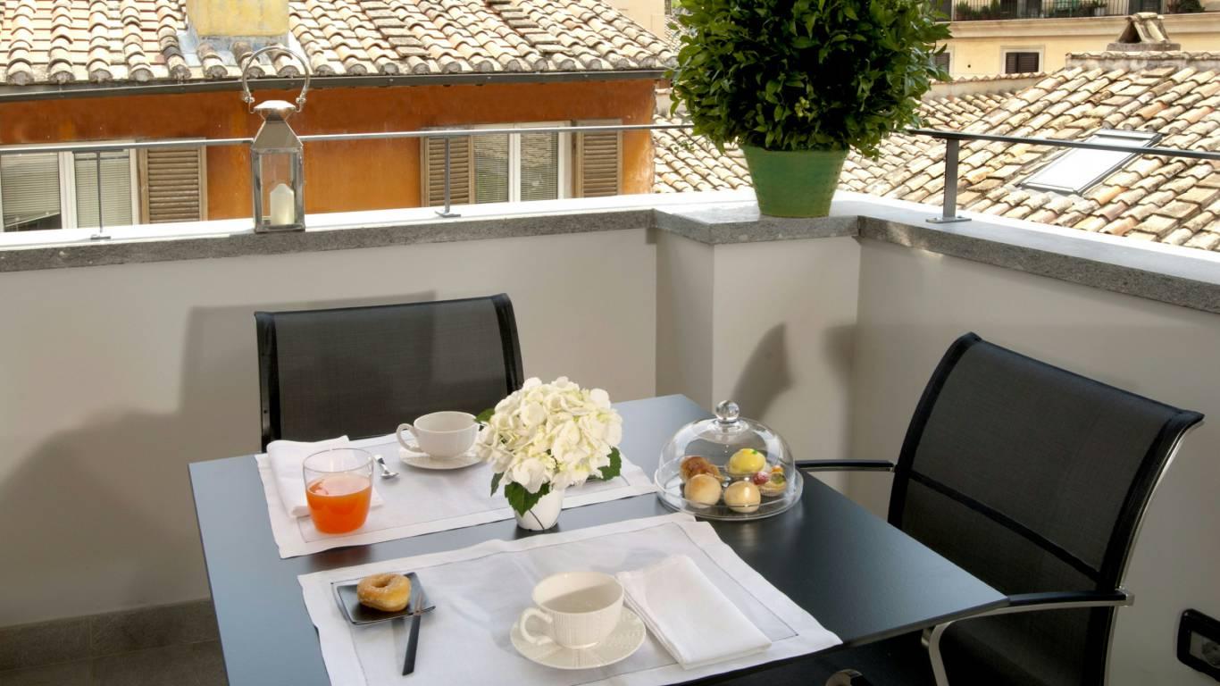 hotel-mood44-rome-exclusive-suite-terrace-2