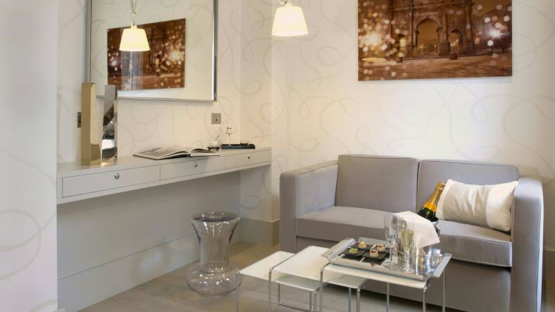 hotel-mood44-rome-exclusive-suite-rooms-trevi-11